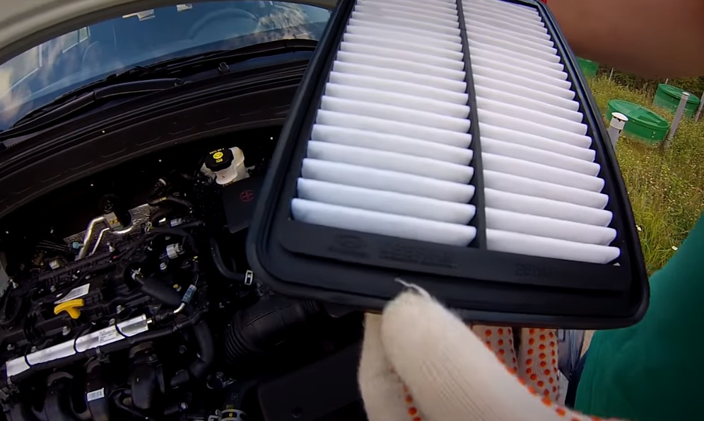 Воздушный фильтр Хендай Крета - замена шаг 4