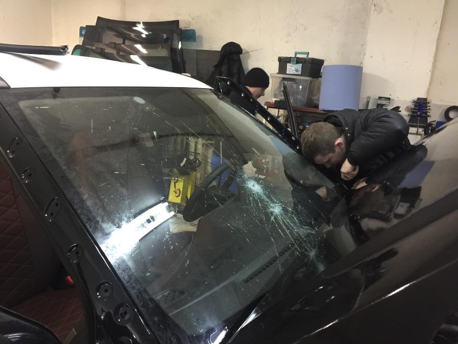 Инструкция по замене лобового стекла на Хендай Крета